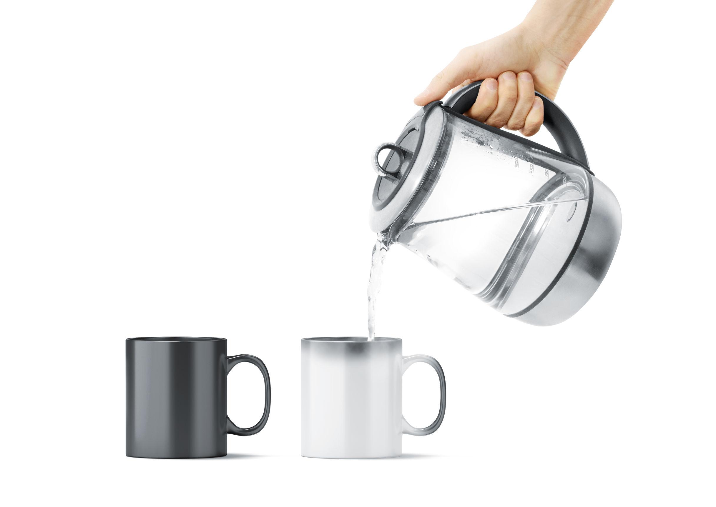 Ezért érdemes tiszta vizet innod a kávé mellé!