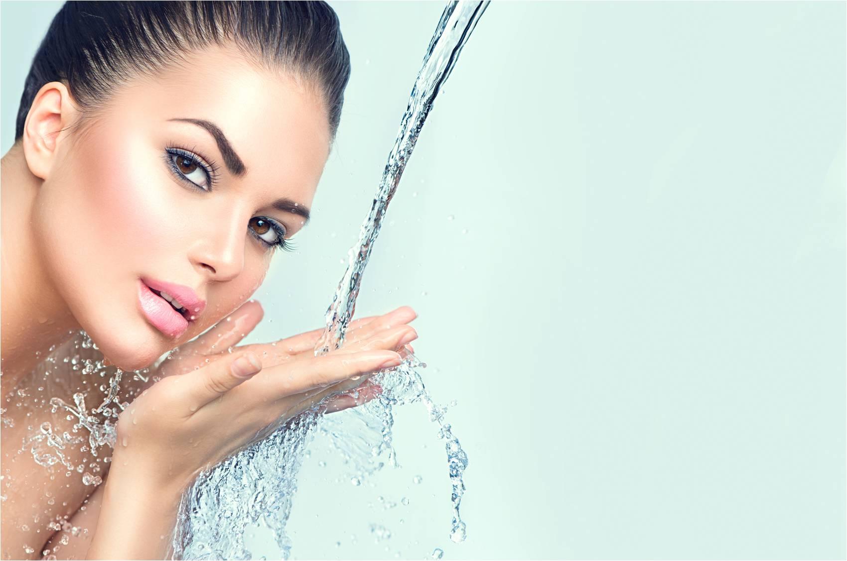 Az ivóvíz nem csak az egészség, de a szépség megőrzésében is segít